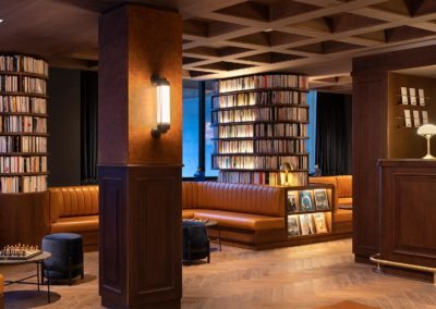 St-Alban Hotel & Spa - Banquettes dans le hall d'entrée (4)