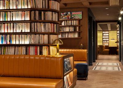 St-Alban-Hotel-&-Spa-Banquettes-dans-le-hall-d'entrée-(3)