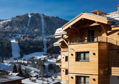 St-Alban-Hotel-&-Spa-Façade-avec-vue-pistes-(jour)